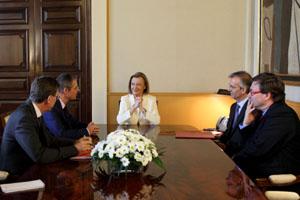 Visite de l 39 ambassadeur de france en aragon ambassade de for Chambre de commerce franco espagnole