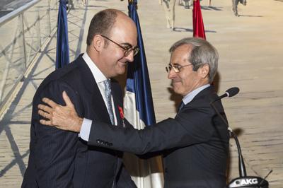 L gion d honneur pour javier conde directeur de cabinet for Cabinet du ministre de l interieur